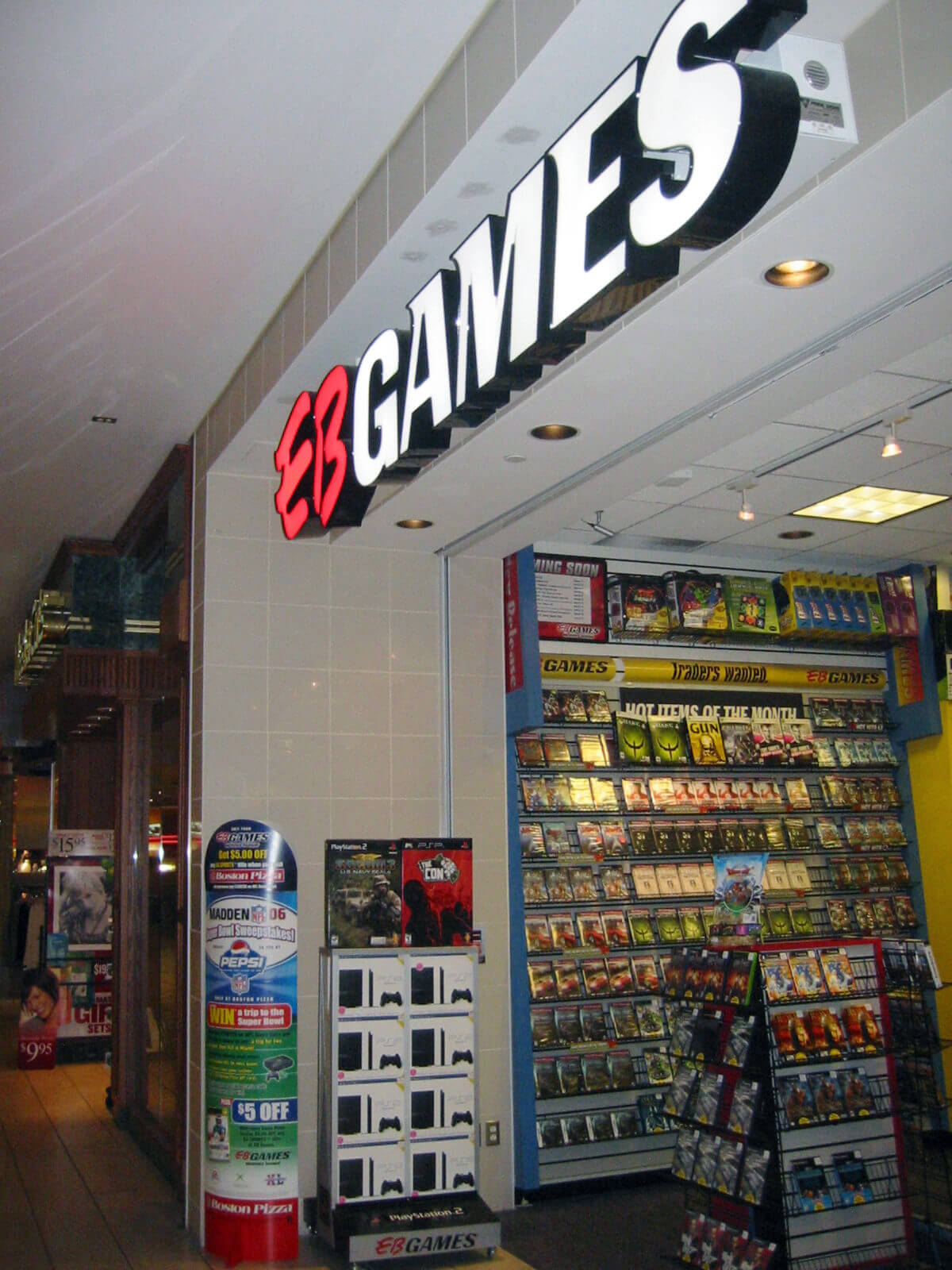 EB GAMES STORE FRONT MALL.ADJ